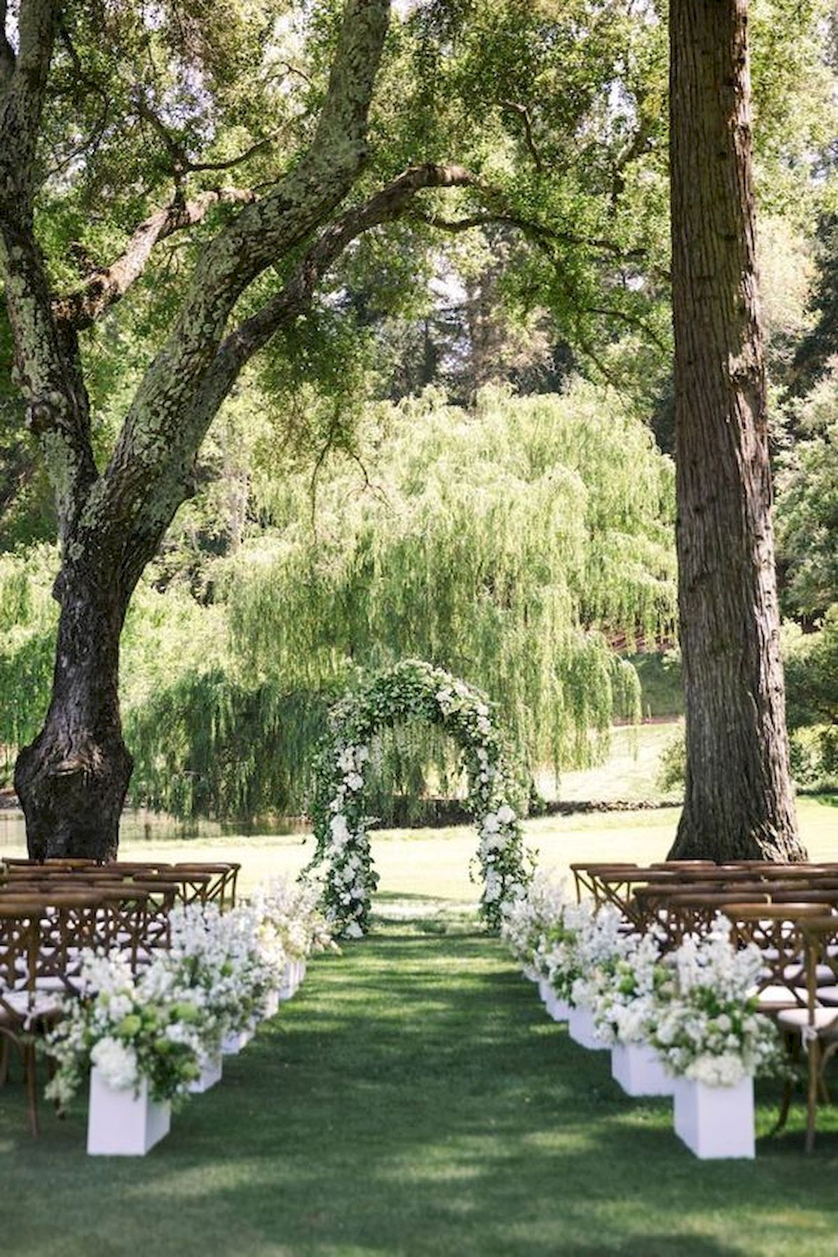 54 Beautiful Garden Wedding Design Ideas And Decor (20)